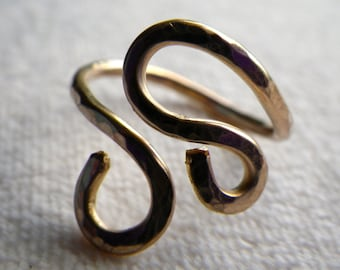 Gold double swirl ring