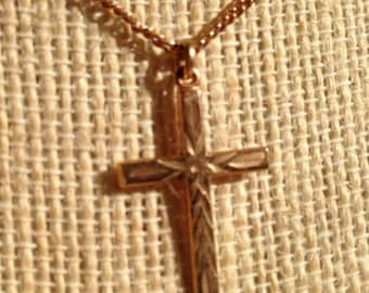 CAVIAR DREAMS Vintage 12K Gold Filled Etched Cross Pendant with Gold Tone Chain - 18""