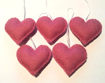 Pink felt heart ornaments - set of 5 - Heart ornaments - Valentine's day/Birthday/Christmas/Housewarming home decor