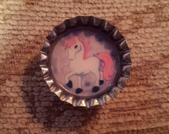 Pretty unicorn bottlecap magnet