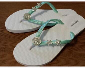Aqua Blue satarfish Wedding Flip Flops / Starfish Rhinestone Flip Flops / Bridal satin Flip Flops / Bridesmaids Sandals.