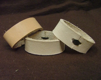 """Belt Keeper - Available in 4 sizes from 3/4"""" to 1-1/2"""" - Natural leather."""
