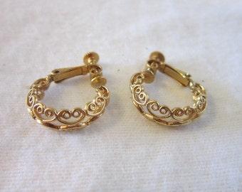 Vintage Napier Fancy Hoop Gold Tone Earrings Nice