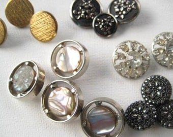 Vintage Metal Buttons -Beautiful Mixed Lot of 40 Gold and Silver Tone Shank Buttons