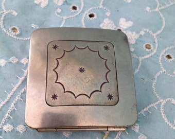 Du Barry Richard Hudnut Art Deco Compact