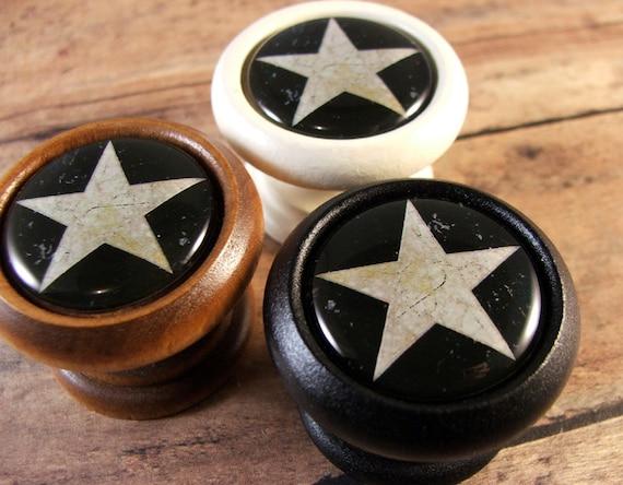 Folk art star decorative wood cabinet knobs pulls price is for Star cabinet pulls