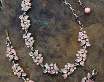 Vintage Pink Necklace and Bracelet Set