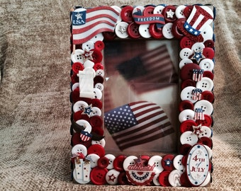 Fourth of July Themed Button Picture Frame