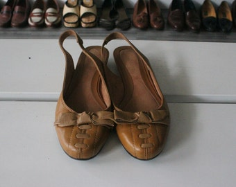 27. Women's Leather, Open-Heel Flats Size 6.5