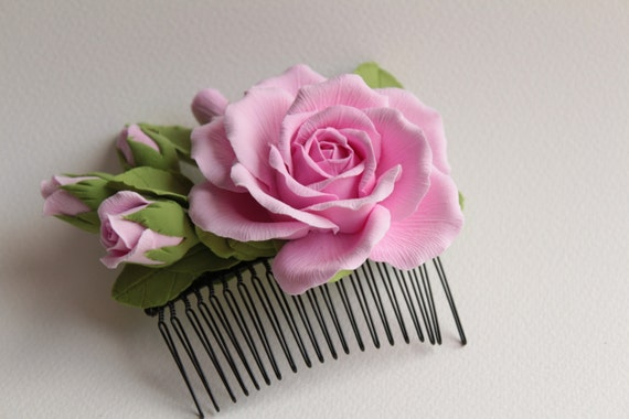 Hair comb polymer clay flowers. Pink rose with buds.