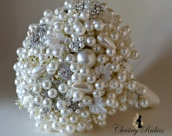 Vintage inspired pearl bouquet, Brooch Bouquet, Pearl Bouquet, Waterfall Bouquet