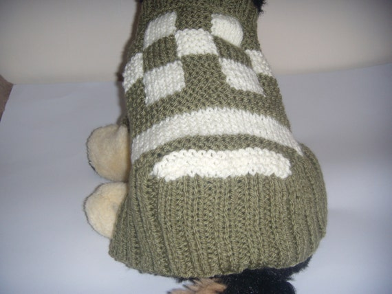 Small dog Sweater Chunky Knit Hand knitted dog sweater in