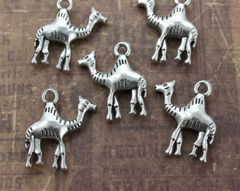 10 Camel Charms Camel Pendants Antiqued Silver Tone 3D 18 x 18 mm