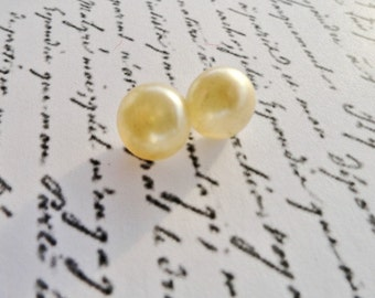 Vintage Buttons, Faux Pearls, Sewing Notion Supplies, Repurpose Upcycle Craft Supply Destash,