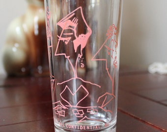 Vintage tumbler with gossiping ladies