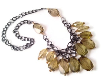 Olive necklace // holiday necklace // chunky necklace // green statement necklace