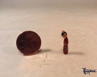 Miniature Kokeshi Made of wood - Article Number K 14