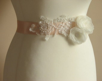 Peach bridal sash Bridal peach ribbon sash Peach wedding sash Bridesmaids peach sash Peach ivory lace sash Peach ivory sash Pale peach sash