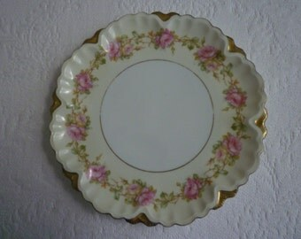 VINTAGE Plate, SHABBY CHIC, Traditional Cottage Chic, Collectable,Home Decor Vintage Home. Wall Plate Collection.
