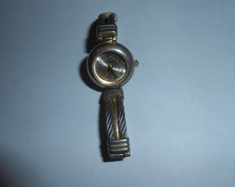 jaclyn smith  ladies watch