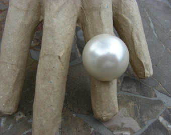 THE PEARL - handmade upcycled pearl ring