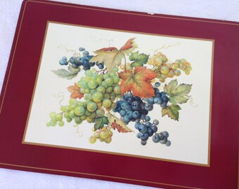 Pimpernel mat with grapes