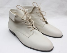 "80's Vintage ""MARIPE"" Cream Leather Ankle Boots Sz: 8.5"