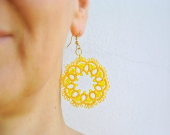Yellow sun tatted earrings | lace jewelry | Frivolitè | Beaded fibre jewelry | Lightweight filigree