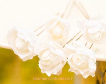 White Flower U Pin set of 5