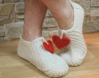 Knitting pattern slippers seamless with hearts