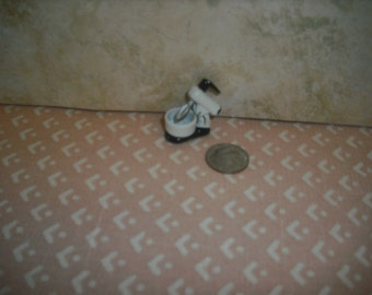 1:12 scale Dollhouse Miniature Mixer