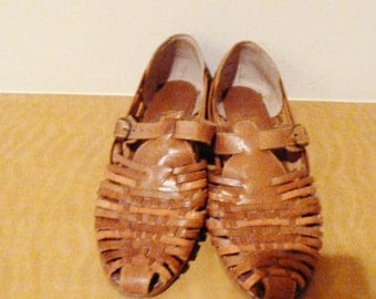 SALE lovely  brown woven flats by  g.h. bass  size  7 1/2