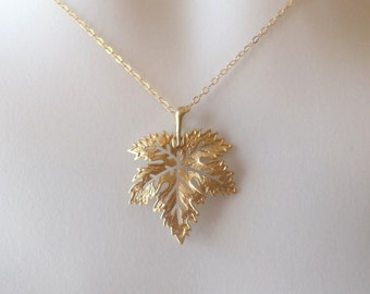 Last one Leaf Necklace - Maple Leaf Necklace - Silver or Gold Maple Leaf Necklace - Gold Leaf Necklace, Gold Filled Necklace, Christmas Gift