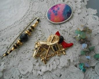 Vintage brooch x 4