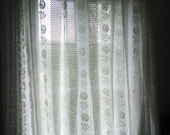 Lace Curtain Panel, Bedcover Bedspread, Throwrug French Vintage Crochet