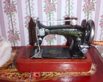 12th Scale dolls house Hand Sewing Machine