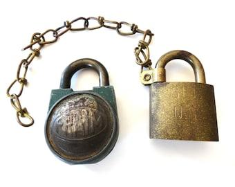 vintage padlocks pair antique padlocks u s set american brass padlock fraim lock no keys. Black Bedroom Furniture Sets. Home Design Ideas