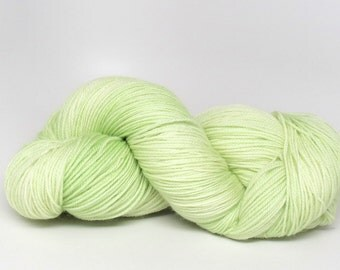 Honeydew - Stunning Superwash Fingering Weight - 100% Superwash Merino - 100 g - 475 yds