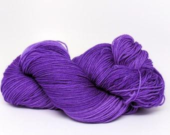 Purple Pansy - Stunning Superwash Fingering Weight - 100% Superwash Merino - 100 g - 475 yds