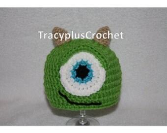 Green Monster hat. One eyed monster hat. Crochet One eyed Monster beanie. Monster Hat. Monster Photo Prop beanie.Handmade to Order.