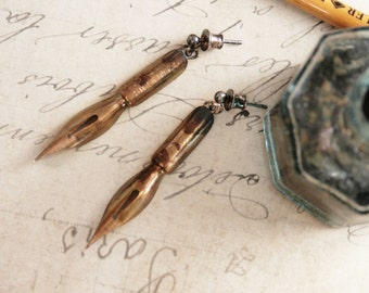 Fountain Pen Nib Dangle Earrings Golden Ink Pen Tip Quirky Earrings Graduation Gift for Writer or Teacher Industrial Chic/ Dangling earrings