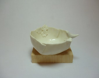 Porcelain bowl nightingale and cherry tree flower