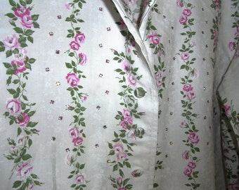 Cute cotton shirt from the 80's, with pink and green flowers, and rhinestones