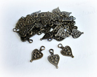 10 x Antique Bronze Heart Charms ABCHRM005
