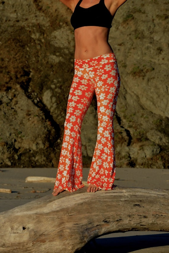 Items similar to FLOWER POWER RETRO daisy orange 70's ...