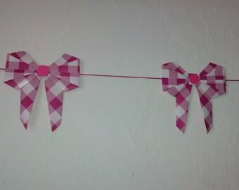 garlands of 11 knots gingham pink