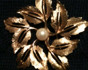 Marcel Boucher Signed Vintage Gold Tone Flower Brooch Pearl Estate Costume Pin Jewelry