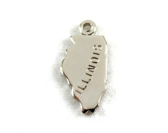 2x Silver Plated Engraved Illinois State Charms - M072-IL