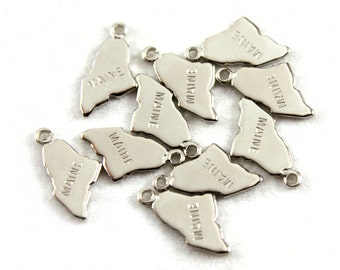 2x Silver Plated Engraved Maine State Charms - M072-ME
