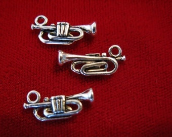 """10pc """"trumpet"""" charms in antique silver style (BC180)"""